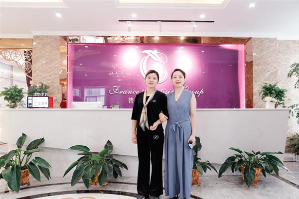 普丽缇莎家人创业开店获大力支持